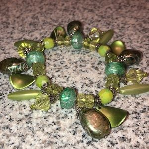 Green dangled bracelet